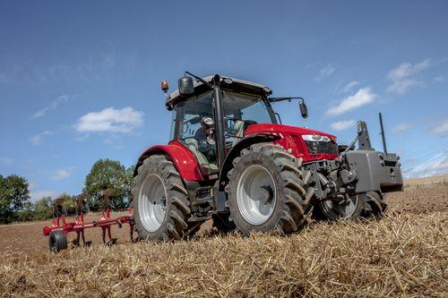 MF5713SL_Plough_Working_FR_0815_0969_108058